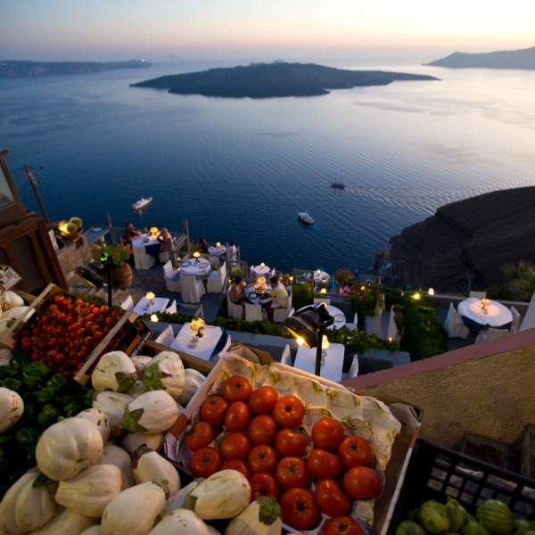 A magnificent view from the Santorini caldera!