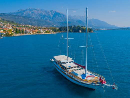 Cruise Montenegro aboard a gulet
