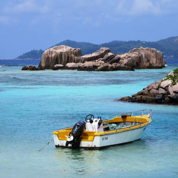 La Digue and its turquoise water