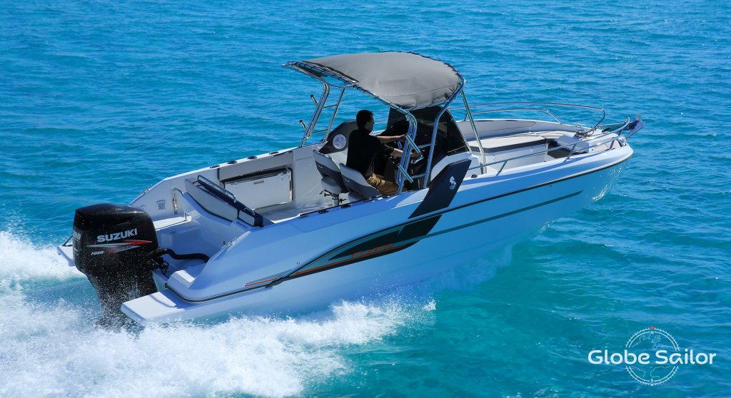 Flyer 7.7 Spacedeck, boat specification Flyer 7.7 Spacedeck   1024 x 558 jpeg 126kB