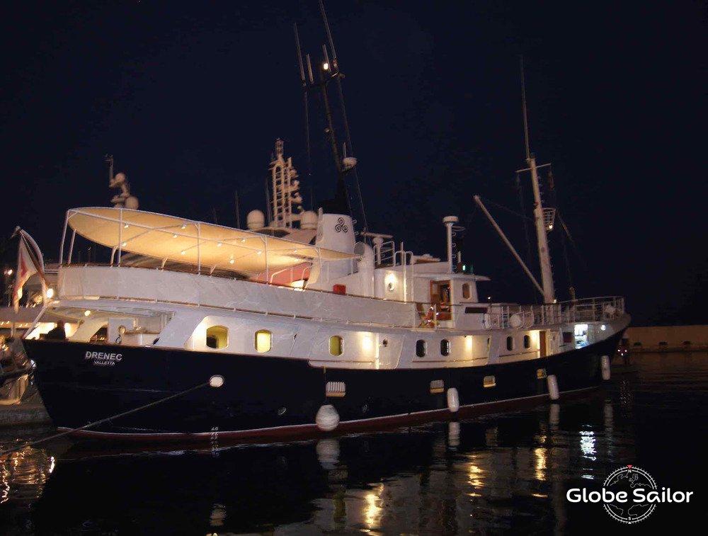 Noleggio drenec dal porto di arcipelago di mergui a for Noleggio di cabine di istrice