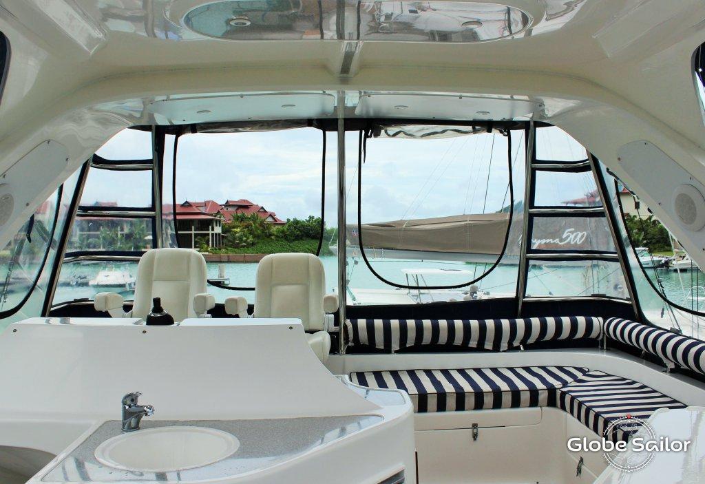 Noleggio africat 450 dal porto di mah a seychelles n for Noleggio di cabine di istrice