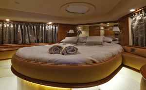 Azimut custom 62ft