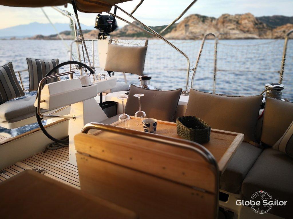 location sense 55 depuis le port de porto vecchio en france n 30522 256. Black Bedroom Furniture Sets. Home Design Ideas