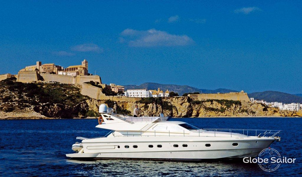 Noleggio ferretti 175 dal porto di club nautico di ibiza a for Noleggio di cabine di istrice