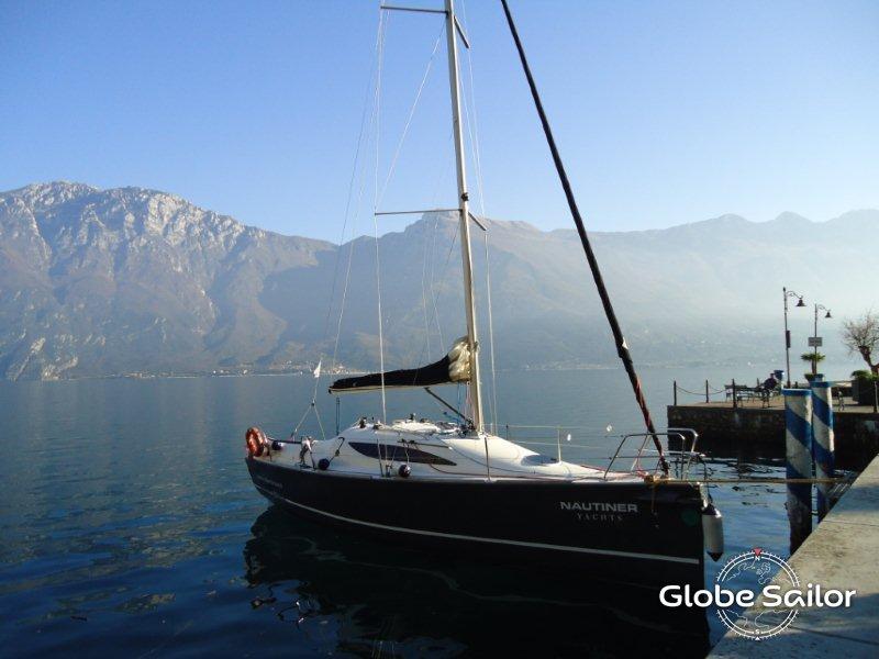 Noleggio nautiner 30s race dal porto di lago di garda a for Noleggio di cabine per lago