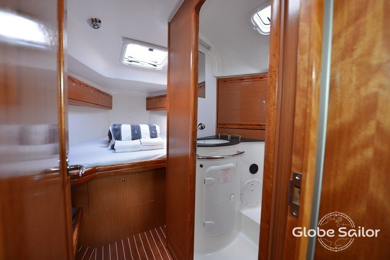 location bavaria 38 cruiser depuis le port de biograd na moru en croatie n 4147 294. Black Bedroom Furniture Sets. Home Design Ideas
