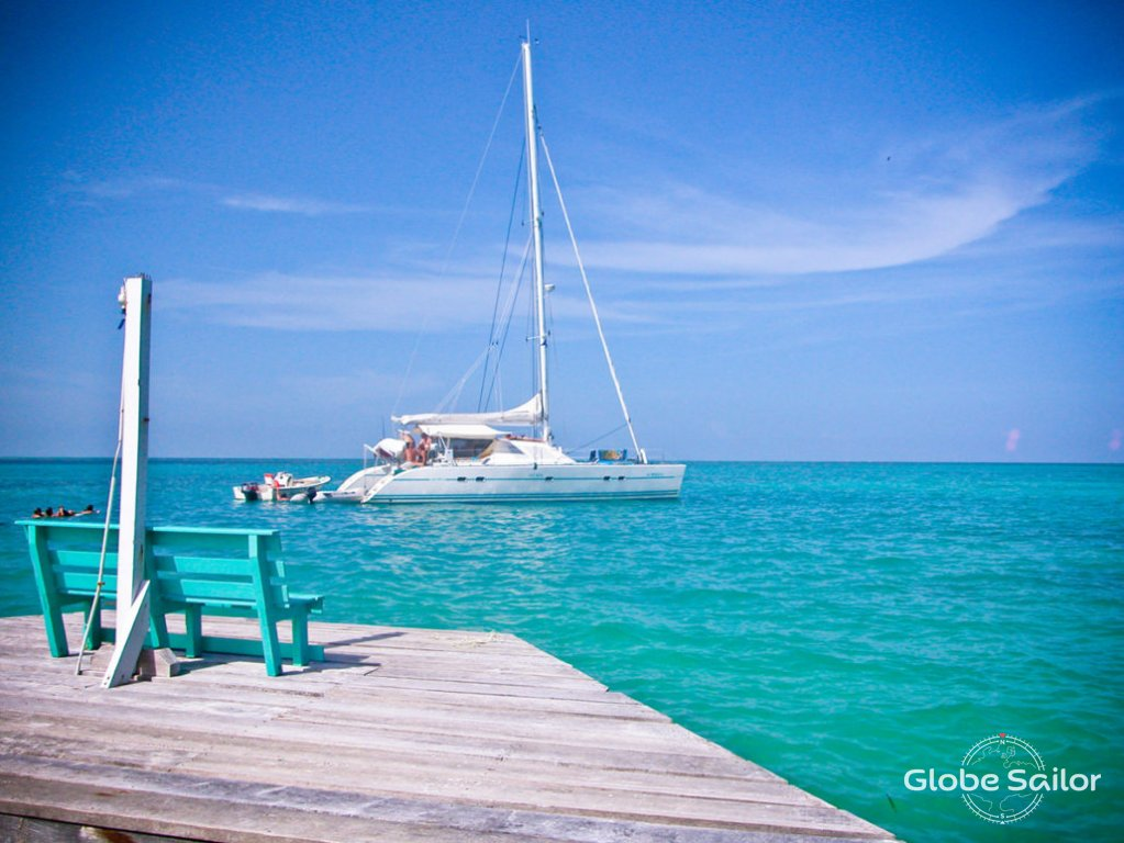 Rental Lagoon 47 from the charter base Belize City in ...