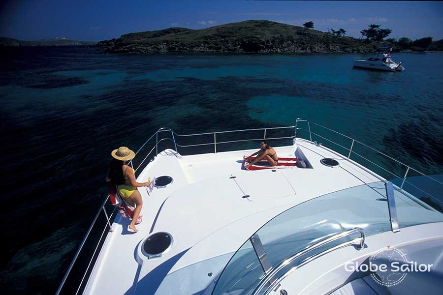 Rental Cumberland 44 from the charter base Palma in Spain