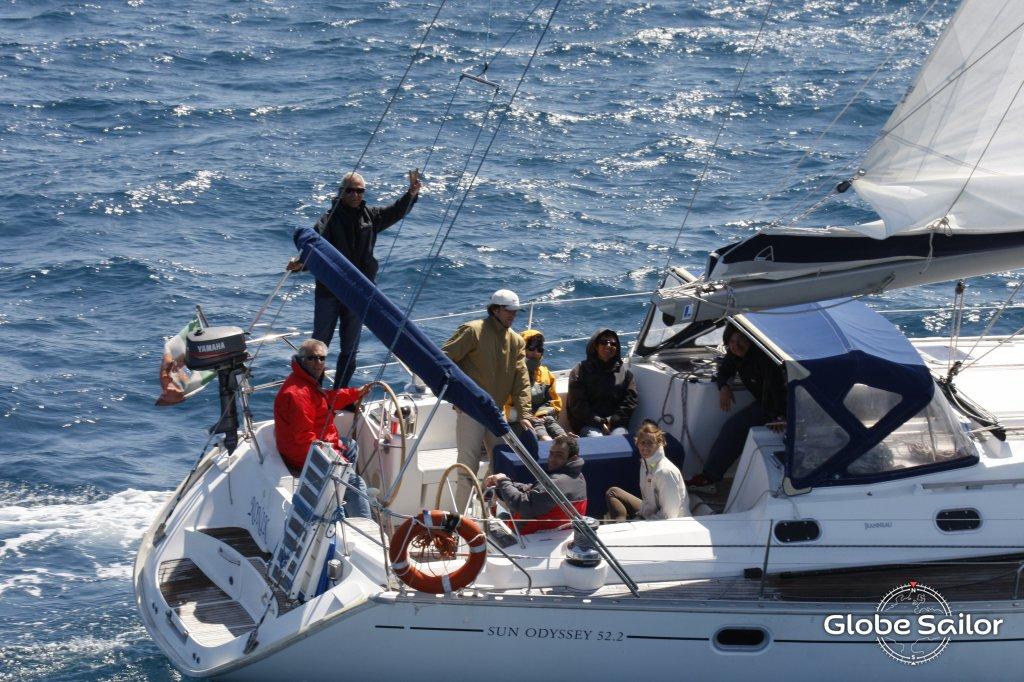 Noleggio sun odyssey 52 2 dal porto di marina di andora a for Noleggio di cabine di istrice
